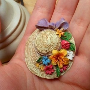 Jewelry - Absolutely adorable resin hat pin with flowers